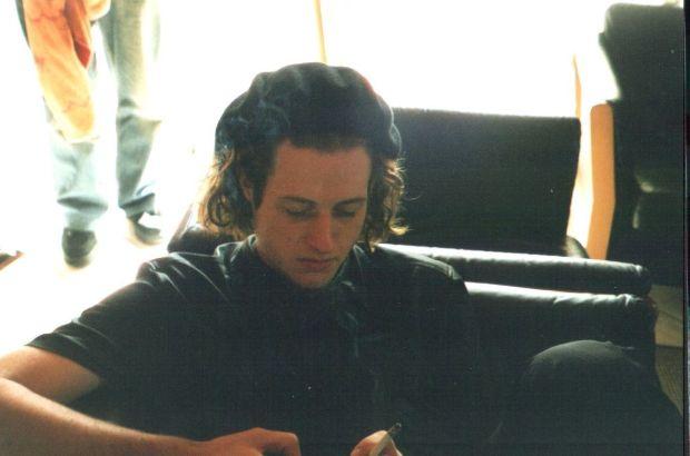 prätenziös, mit 20, 2003