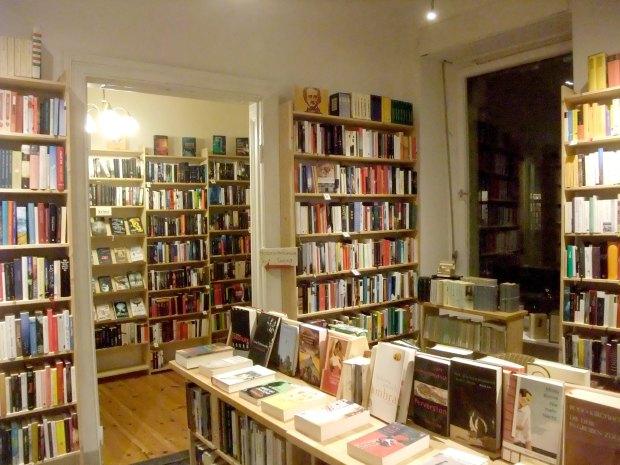 Berliner Büchertisch, Gneisenaustraße b